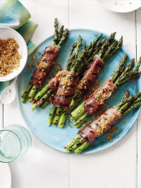 Prosciutto-Wrapped Asparagus with Bread Crumbs